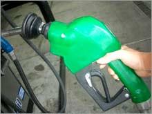 gas_pump_hand_oil.03.jpg