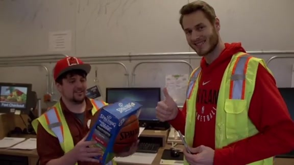 Meyers Leonard, Jake Layman, and Evan Turner Hang Out With Fans at Fred Meyer