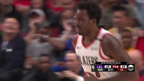 Al-Farouq Aminu Throws Down