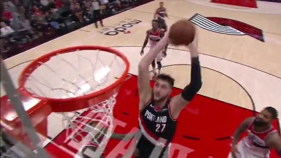 Jusuf Nurkic Throws Down the Aggressive Slam