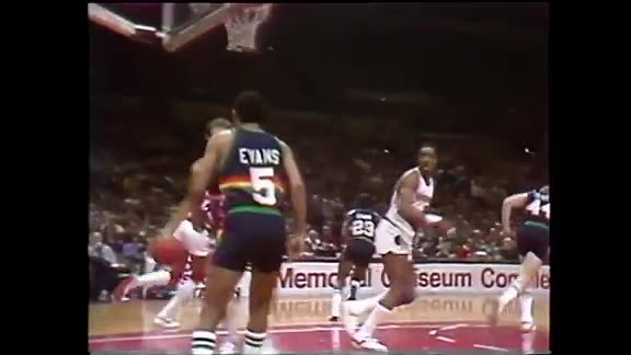 Throwback: Mychal Thompson Gets a Triple-Double vs. Denver
