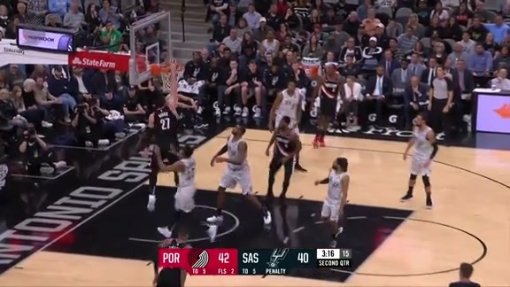 Nurkic finds Harkless, Moe returns the favor on the next possession