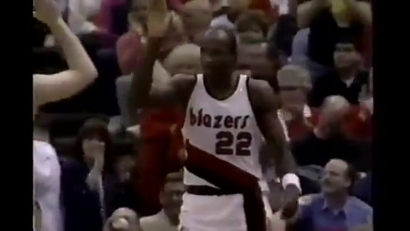 Throwback: Drexler scores 39 points in Game 1 of the 1991 Playoffs vs. Seattle