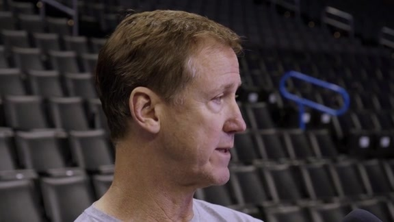 Stotts speaks to media before game 4