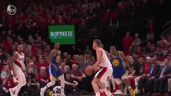 Meyers Leonard scores 25 in the first half of Game 4