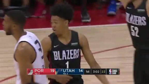 Anfernee Simons goes 5-5 from three in the first quarter
