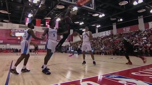 Jaylen Hoard with the strong putback jam