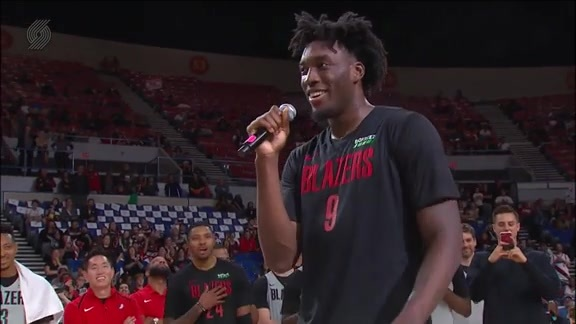 Nassir Little Shows Off His Pipes