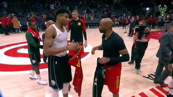 Giannis Swaps Jerseys With Vince Carter
