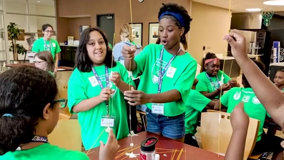 Bucks, MSOE and MPS Foundation Host Weeklong Girls STEM Academy