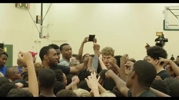 New teammates make a surprise at Jabari Parker's Basketball Camp