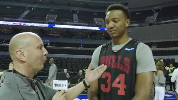 BullsTV Talks with Wendell Carter, Jr. in Mexico City