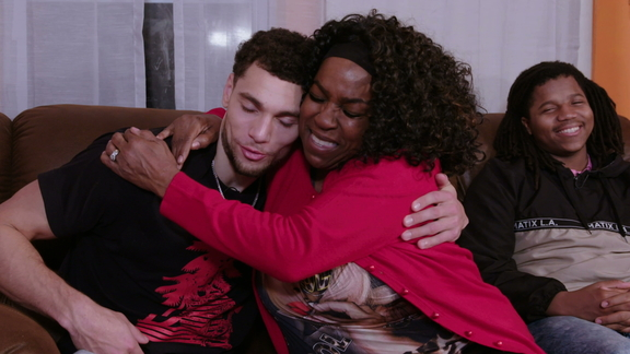 Zach LaVine and The Room Place team up for a special holiday surprise