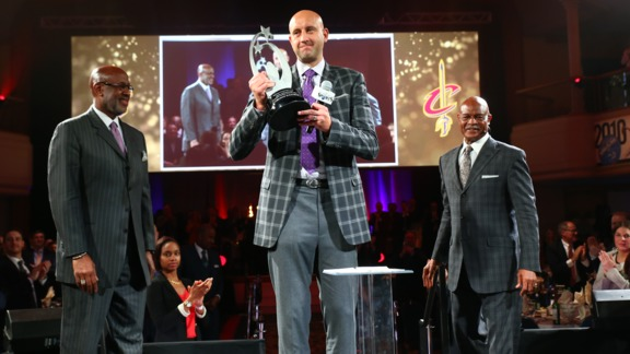Zydrunas Ilgauskas Receives Lifetime Achievement Award