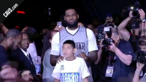 Kevin Love and LeBron James Get Introduced for Practice