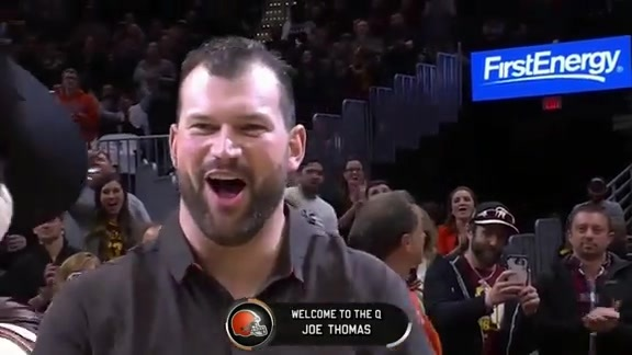 Cavs Honor Retired Browns Lineman Joe Thomas