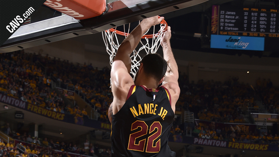 Nance Jr. Grabs Alley-Oop From LBJ