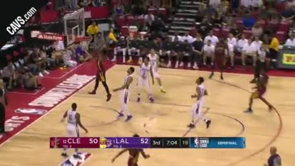 Featured Highlight: Lee With a Two-Handed Jam
