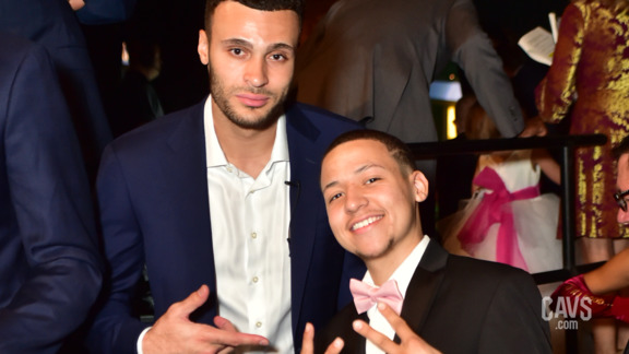Flashes of Hope: Larry Nance Jr. & Darien