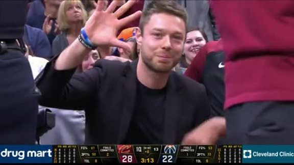 Delly Applauded in Return to The Q