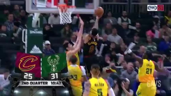 Clarkson Scores on Fast-Break After Blossomgame's Block