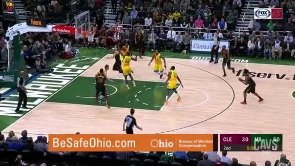 Cedi Shimmies Past Defenders for Slick Layup