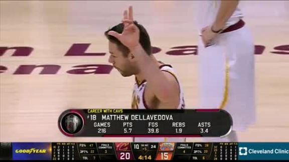 Delly Gets Standing Ovation