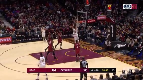 Nance Gets Open for a Two-Handed Jam in the Fourth