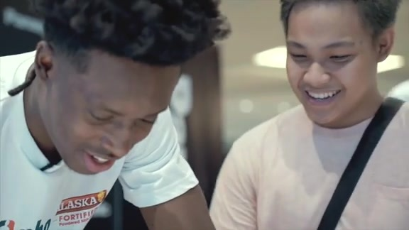 Day 1: Sexton Greets Fans in Manila | Cleveland Cavaliers
