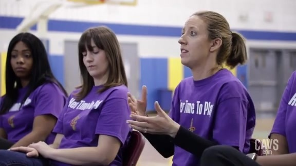 Cavs Host Girls Basketball Clinic and Panel Discussion