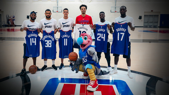 Video |  Tottenham Hotspurs visit Clippers Practice Facility