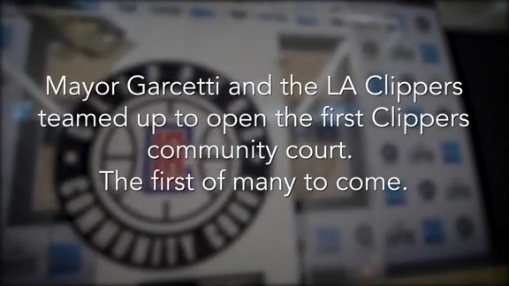 Clippers and Mayor Eric Garcetti Open First Clippers Community Court