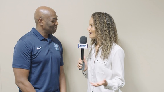 Alexis Morgan goes 1 on 1 with Keith Smart