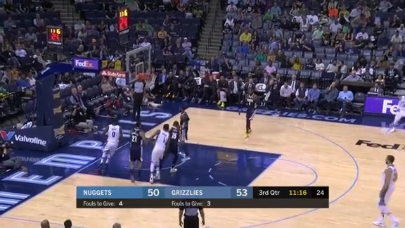 Brooks scores 24 points against the Nuggets