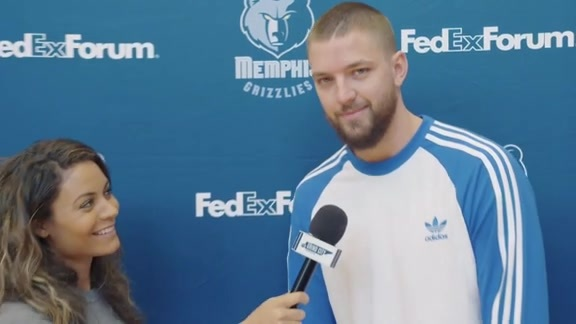 Alexis Morgan goes 1 on 1 with Chandler Parsons