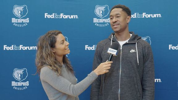 Alexis Morgan goes 1 on 1 with MarShon Brooks
