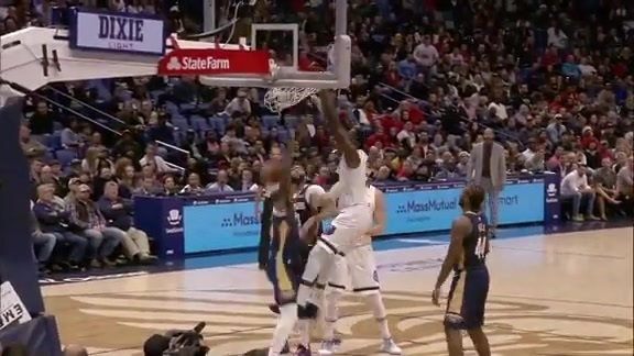 JaMychal Green rocks the rim with a grown man dunk