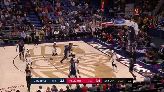Omri Casspi sinks it from the perimeter