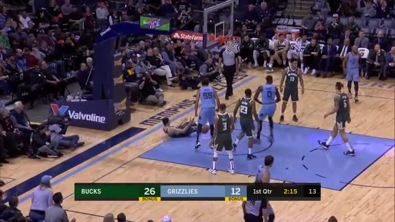 JaMychal Green punishes Ilyasova with a monster slam