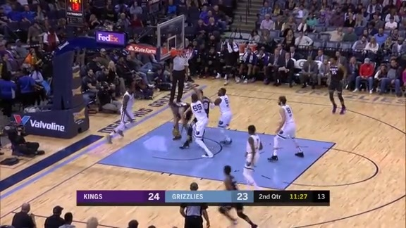Noah invites the Kings to a block party