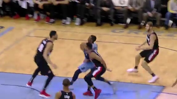 Wright's floater goes high off the glass