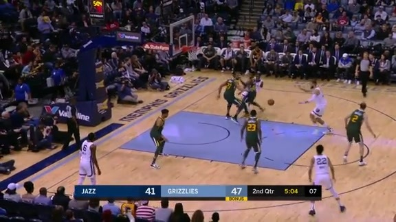 Wright Drops Between-the-Legs Assist to JV