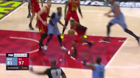 Conley finds Miles on the wing for three