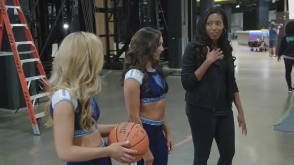 Behind-the-Scenes at 2019-20 Grizz Girls Photoshoot