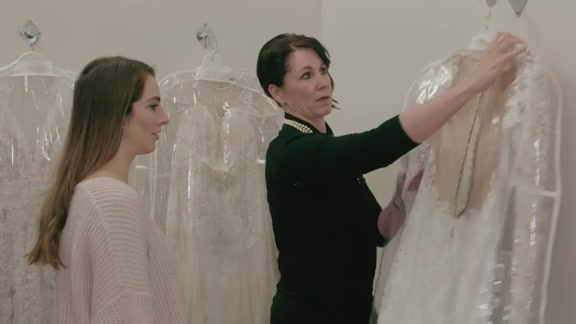 Avery Goes Dress Shopping Ahead of Swipe Right Wedding