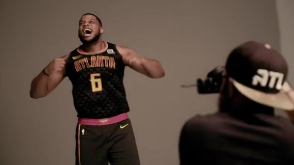 Hawks Give Behind the Scenes Look Into 2018-19 Player Production Shoot
