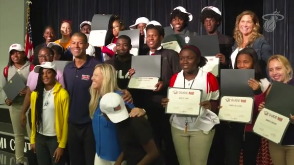 Battier Surprises Students With Scholarships