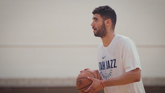 On the road, Jazz forward Georges Niang keeps putting in work