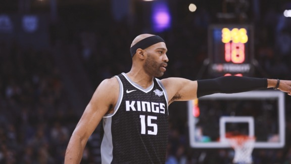 Mini-Movie: Kings battle Thunder to Final Buzzer