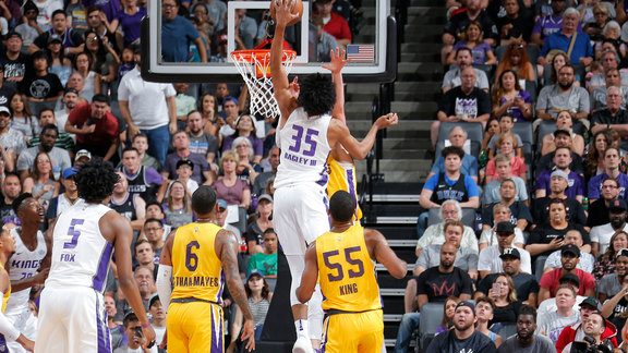 Marvin Bagley III posterizes Lakers in NBA debut